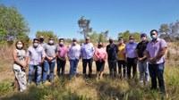 Vereadores comemoram doação de terreno para construção de escola de tempo integral padrão FNDE
